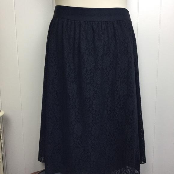 LuLaRoe Dresses & Skirts - Lularoe black lace Lola skirt 2XL